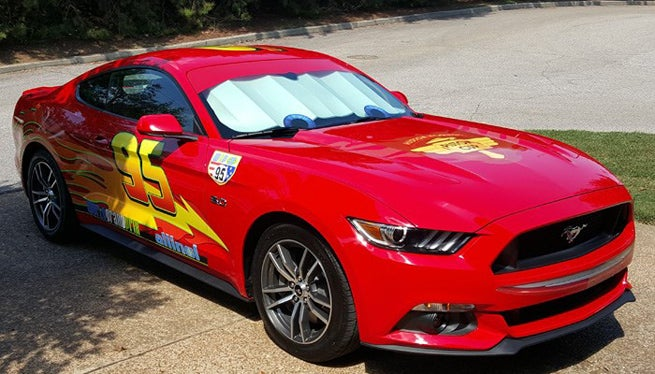 dad turns red mustang into lightning mcqueen - Flash Macqueen
