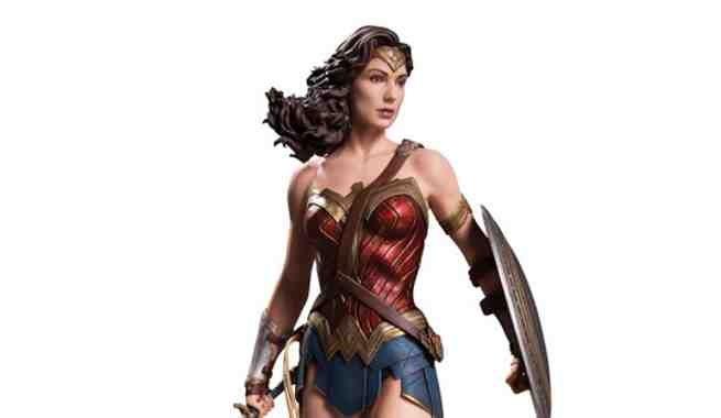 Batman V Superman Wonder Woman Statue Reveals A More Colorful Costume