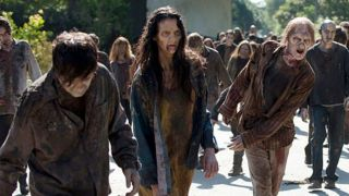 the-walking-dead-midseason-6-finale-walkers