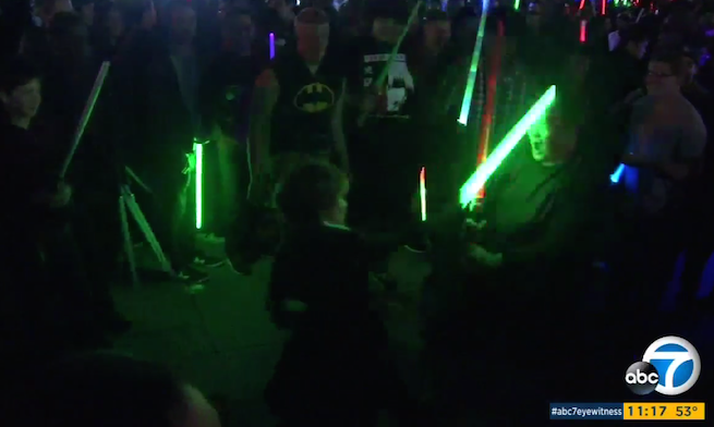 Star Wars Fans Set World Record For World's Largest ...