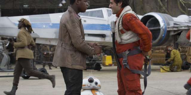 star-wars-tfa-hi-res-finn-poe-reunited