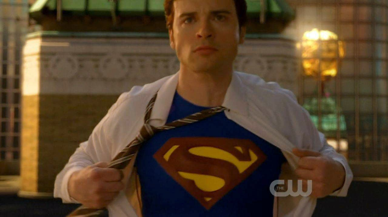 Smallville 39 s tom welling seems open to idea of playing for Kent superman