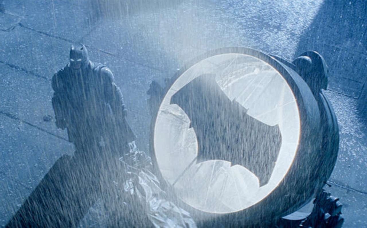 Does Batman V Superman Dawn Of Justice Have A Post Credits Tease