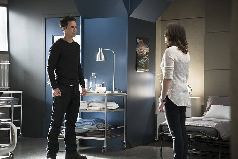 "Tom Cavanagh and Violett Beane as Earth-2's Harrison and Jesse Wells in The Flash ""Trajectory"""