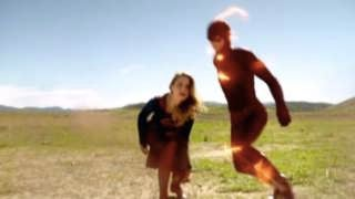 Supergirl-The-Flash-025