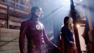 Supergirl-The-Flash-033