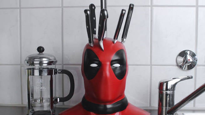 Pedestal Fans Blocking : Fan builds deadpool knife block to marvelize kitchen