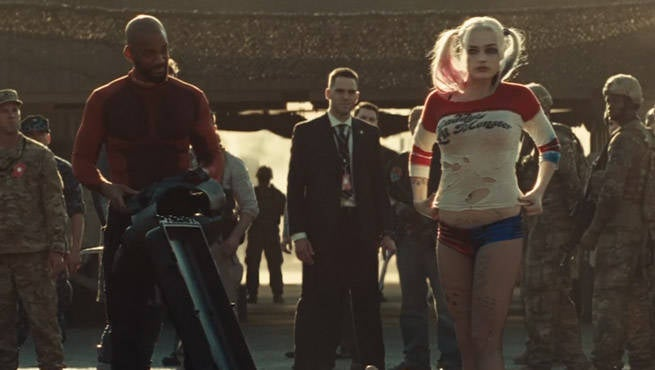 Harley Quinn S Jester Suit Easter Egg Spotted In Suicide