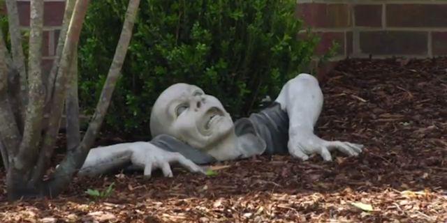 zombie-statue
