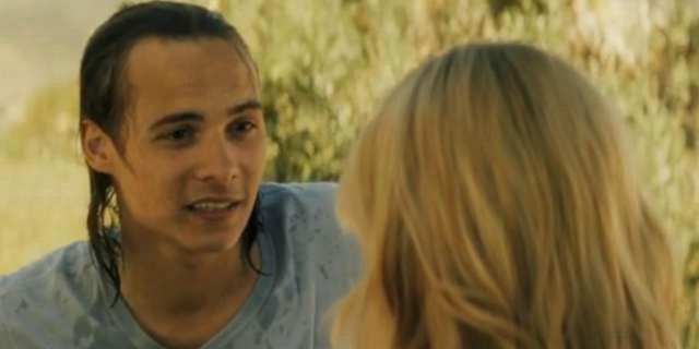 Fear The Walking Dead Mid-Season Finale Sneak Preview: Nick Is Invisible