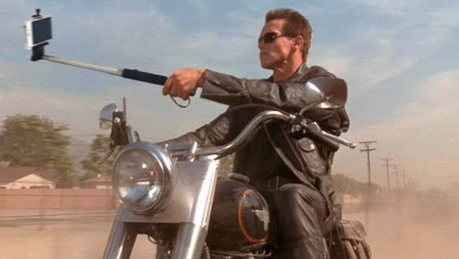 Fan Replaces Guns With Selfie Sticks In Classic Movie Moments