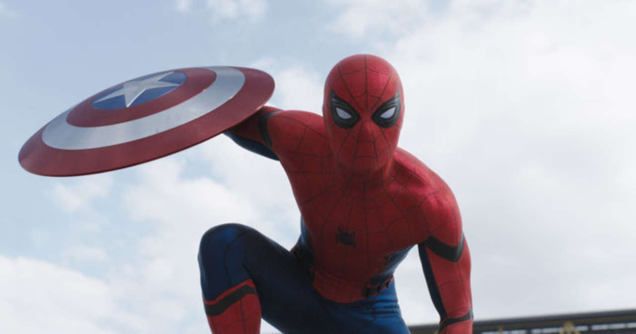 here u0027s the first photos of spider man on spider man homecoming set