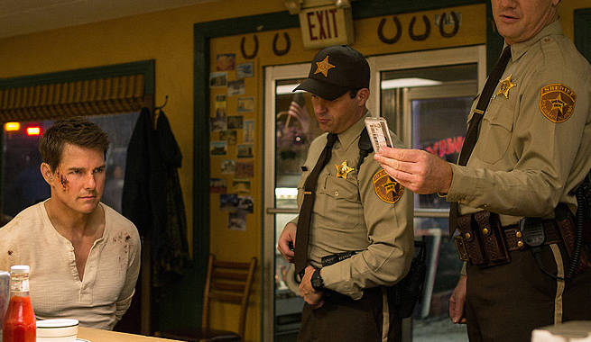 First Look At Tom Cruise In Jack Reacher: Never Go Back