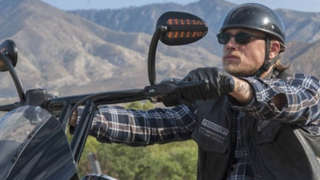 hunnam-motorcycle