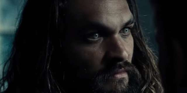 jason-momoa-sdcc-justice-league-trailer-screencap2