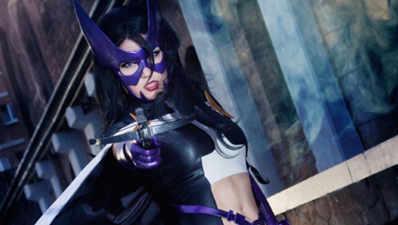& Huntress Returns In Stunning Fashion From Lie-Chee Cosplay
