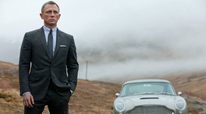 James Bond Producers Want Daniel Craig Back for Bond 25