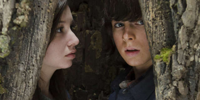 the-walking-dead-season-5-carl-and-enid-in-a-tree