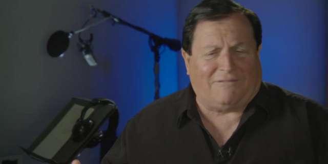 Burt Ward discusses Robin's