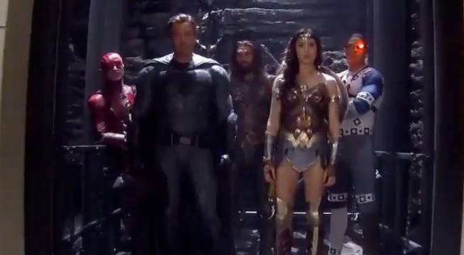justice-league-team-elevator
