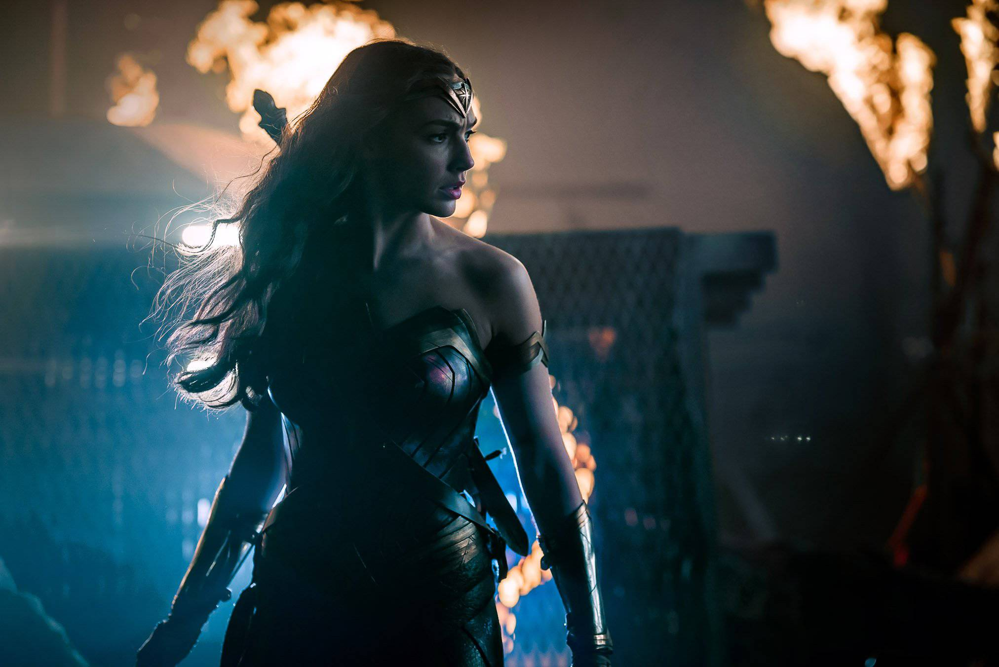 Wonder Woman Beaten Justice League Zack Snyder Rev...