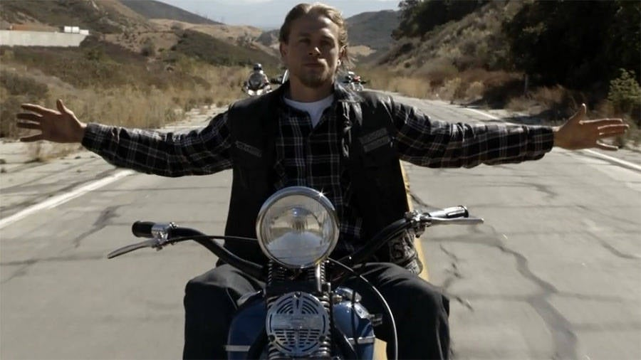 Charlie Hunnam Soa: Should Sons Of Anarchy Have Lasted Longer?