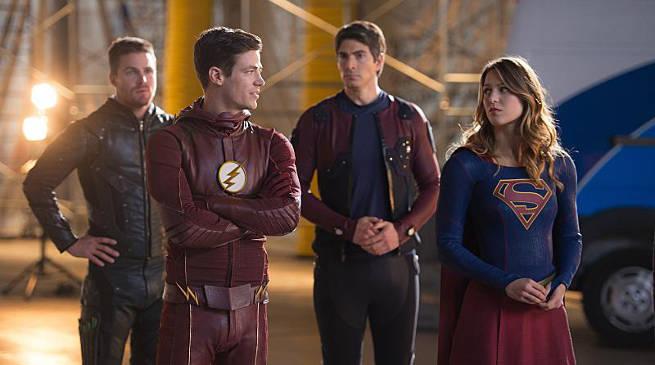 The Flash Season 3 Ratings Invasion Heroes vs Aliens Crossover