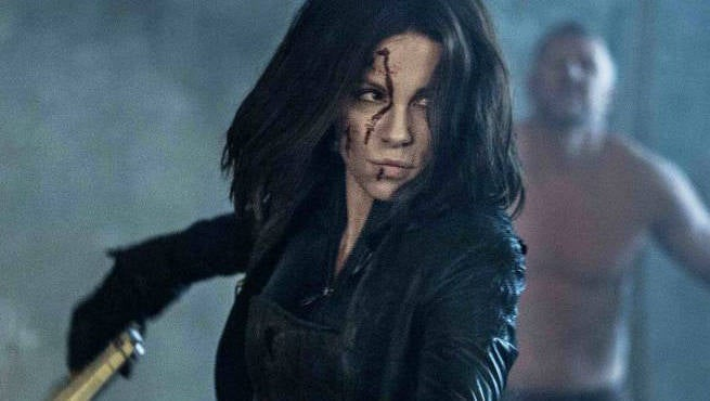 Get A Behind-The-Scenes Look At How Underworld: Blood Wars Found Its Aesthetic