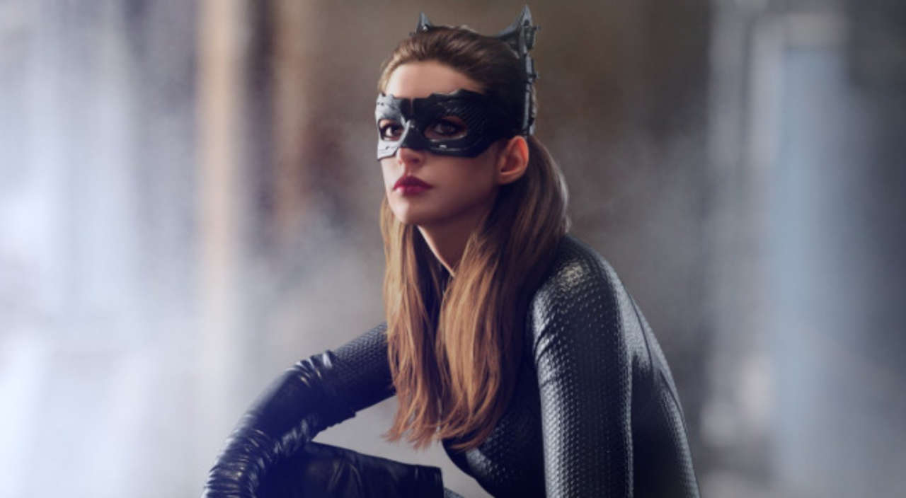 Could Anne Hathaway Reprise Catwoman In Harley Quinn's Gotham City Sirens?