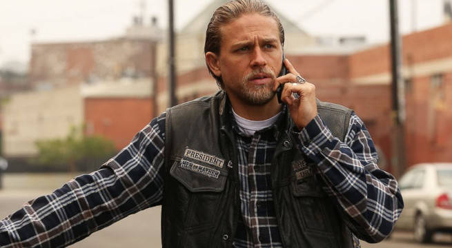 Charlie Hunnam Reveals What He Kept From Sons Of Anarchy