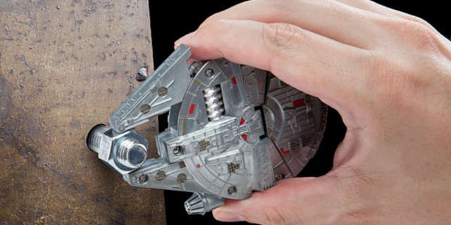 Millenium Falcon Multi-tool kit