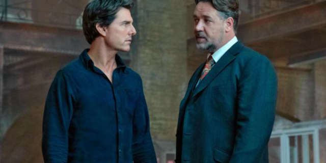 Tom Cruise and Russell Crowe Star in The Mummy