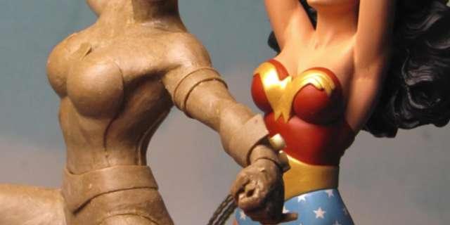 Wonder Woman June 2017 Statues screen capture