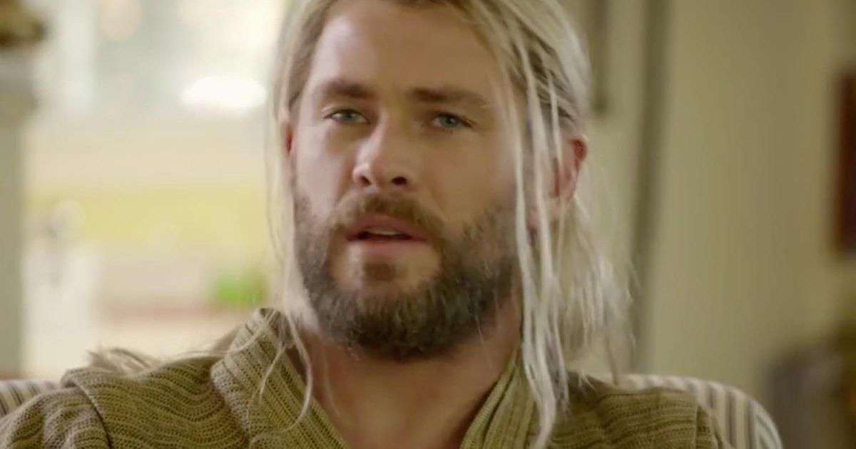 Thor: Ragnarok Director Shares New Behind The Scenes Photo