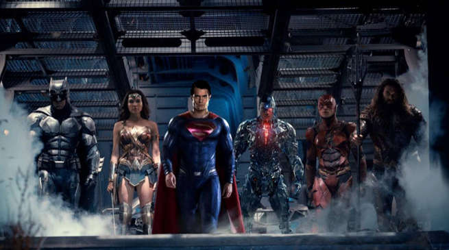 Justice League Movie Team Photo with Superman
