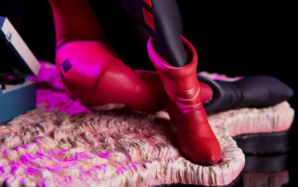 Mondo-Harley-Quinn-Statue-10