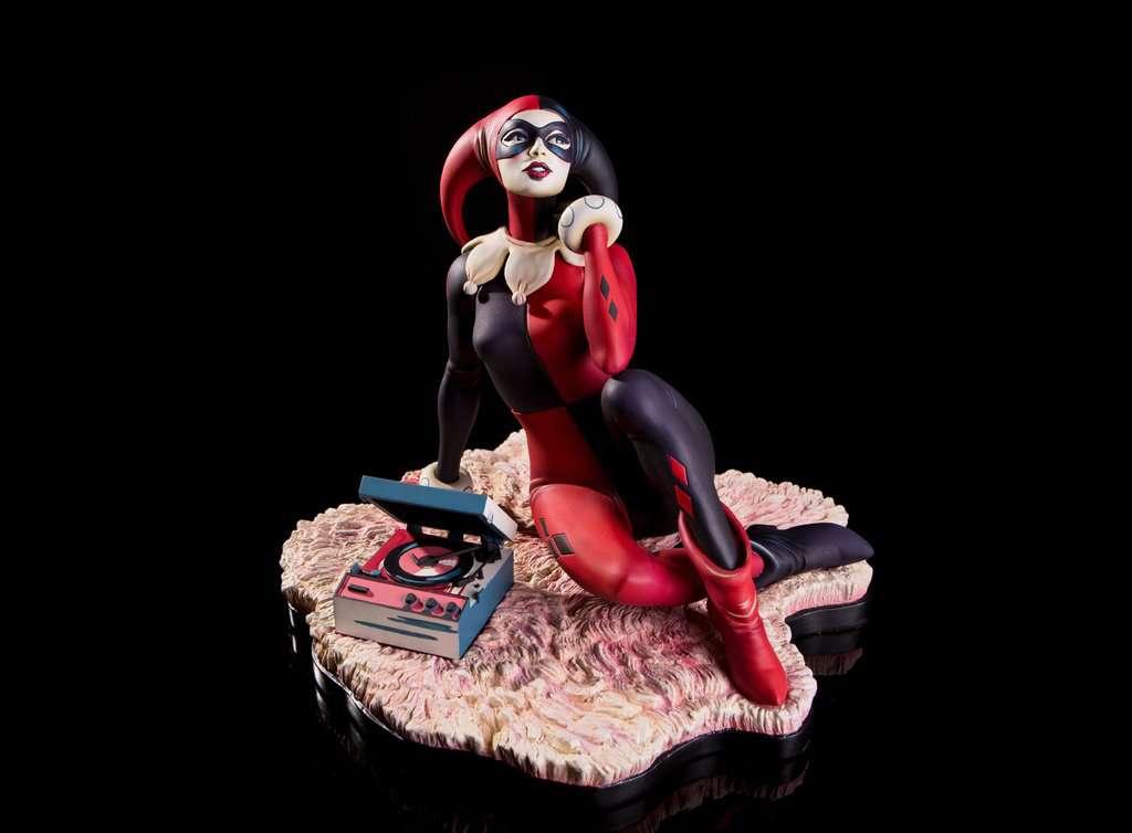 Mondo-Harley-Quinn-Statue-15
