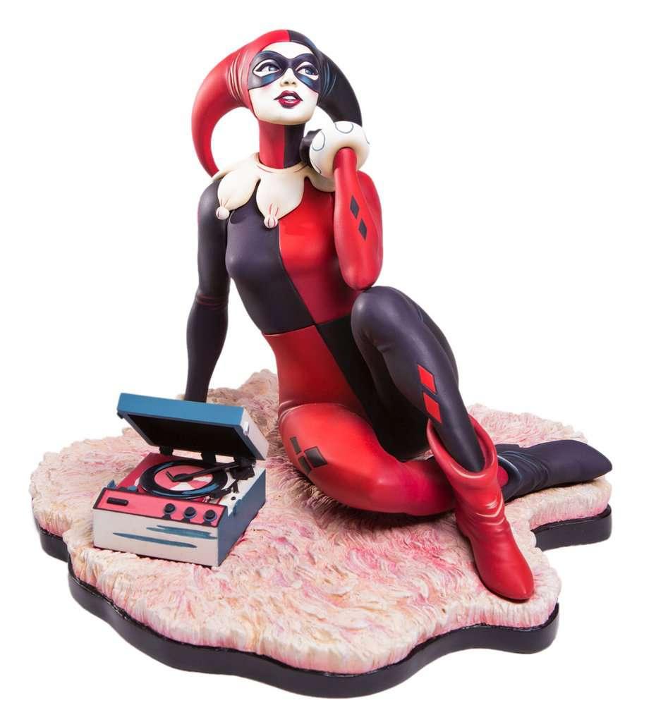 Mondo-Harley-Quinn-Statue-2