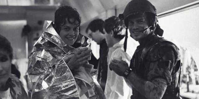 sigourney weaver bill paxton aliens alien movie