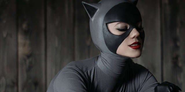 Catwoman-Kamiko-Zero-Cosplay-Batman-The-Animated-Series-Header