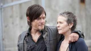 Daryl-Carol-Walking-Dead-Couple