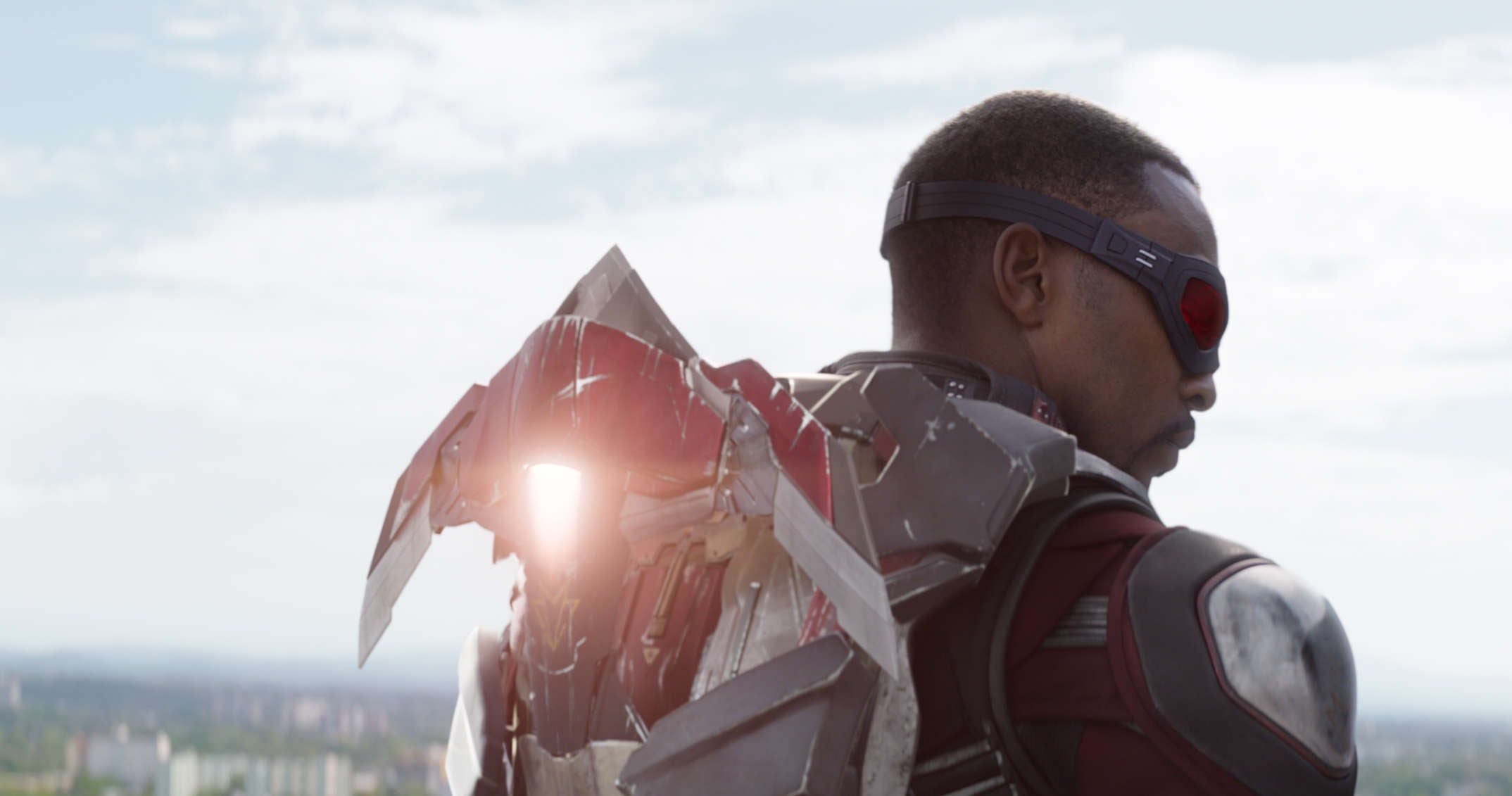 Iron Man vs Falcon