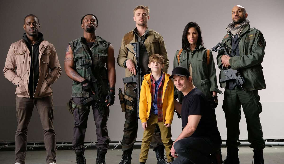 The Predator: Shane Black Reveals First Cast Image, Confirms R Rating