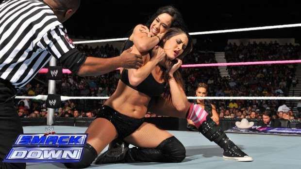 WWE-Nikki-Bella-All-Black-Gear