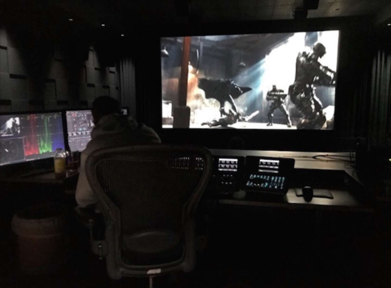 Zack Snyder Shows A Shot From Justice League