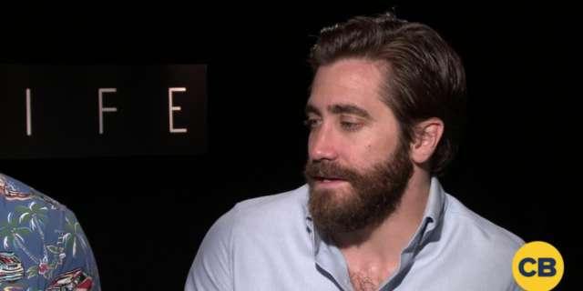 Ryan Reynolds and Jake Gyllenhaal Talk Life screen capture