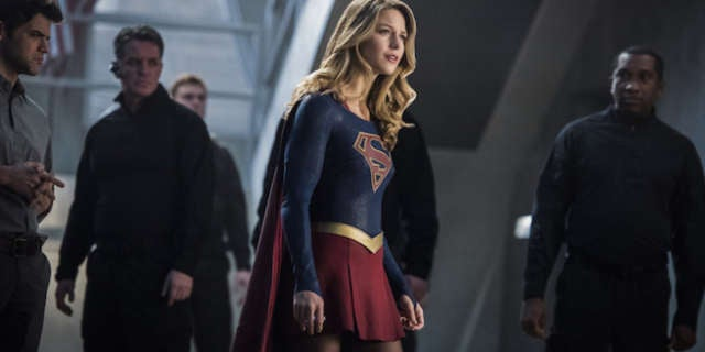 Supergirl-02x16-Star-Crossed-c_0275b