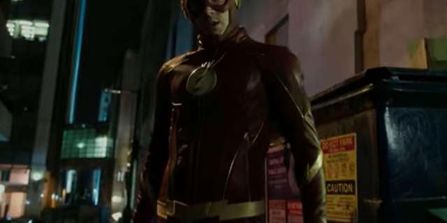 """The Flash's Costume Gets An Update In """"The Once And Future Flash"""""""