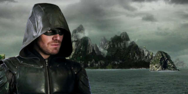 arrow stephen amell tease return island lian yu