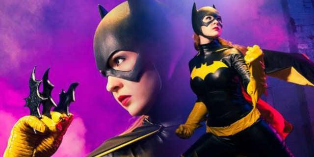 Batgirl-Cosplay-Breathlessness